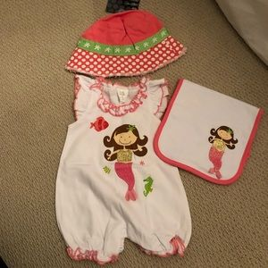 litte wishes One Pieces - NWT little wishes onesie, hat and burp cloth
